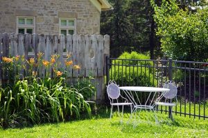 Incorporating Design Trends in Your Backyard Space