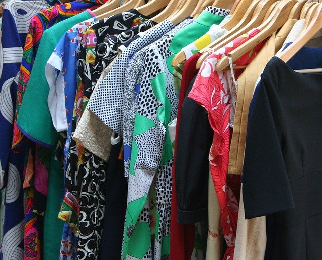 4 Tips to Get Your Closet Under Control